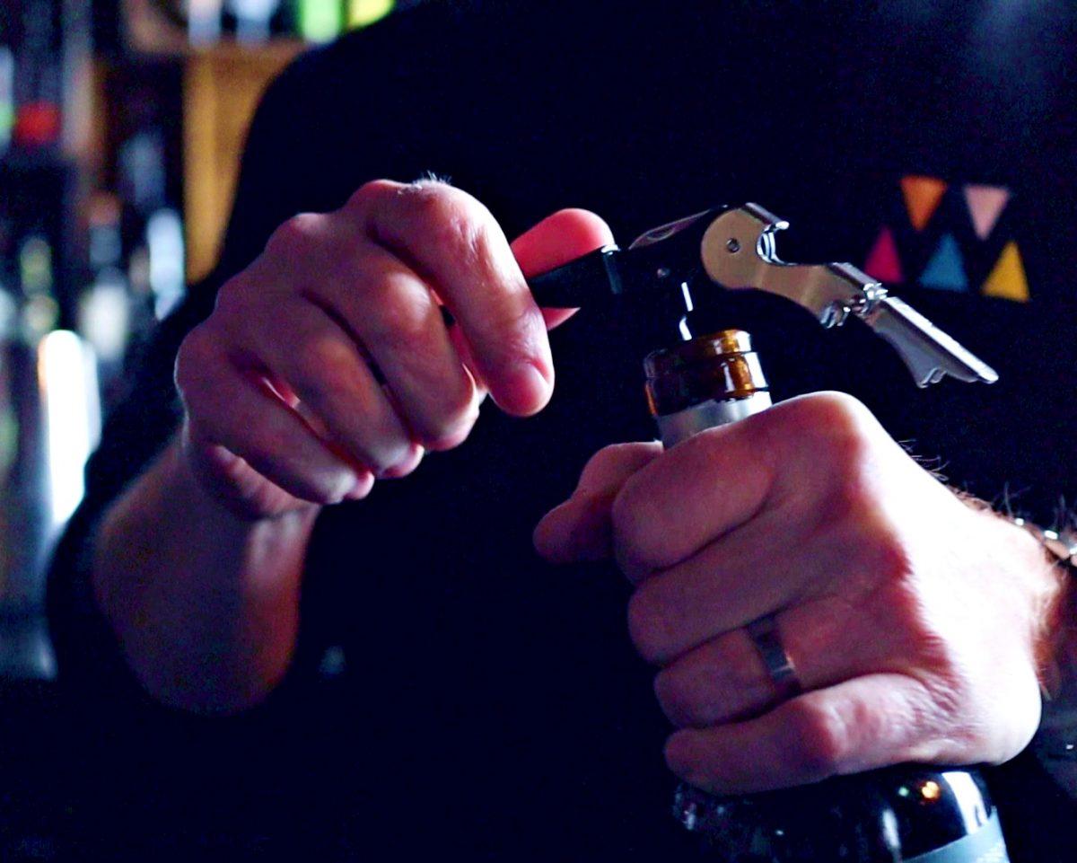 Kuinka avata viinipullo