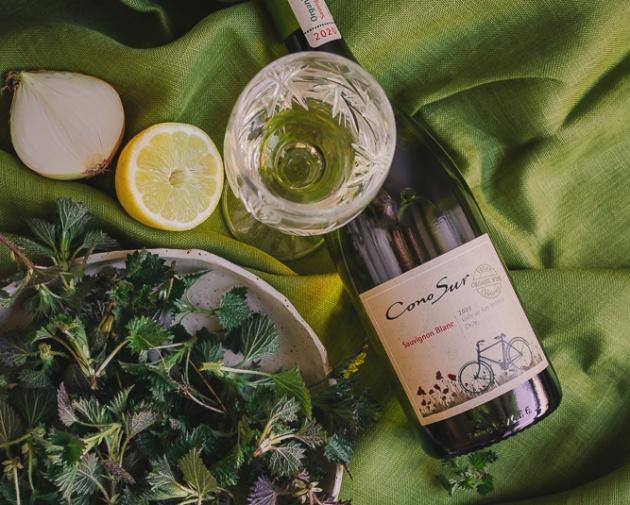 Herkullinen nokkosrisotto ja raikas Sauvignon Blanc